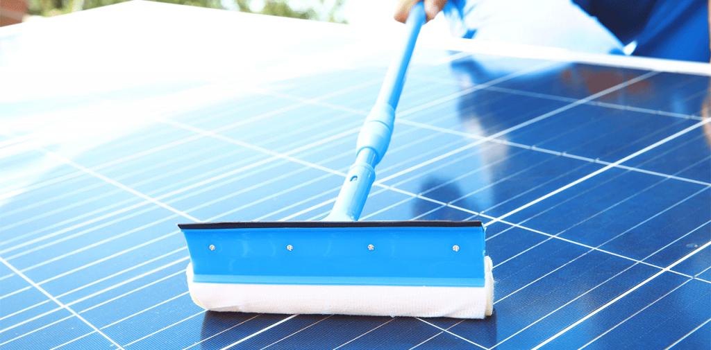 zonnepanelen schoonmaken